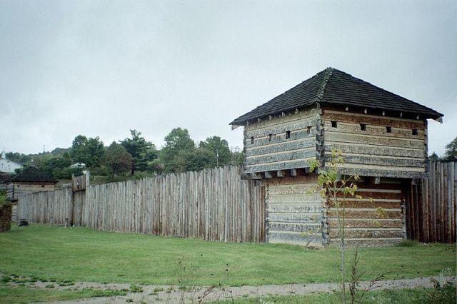 Fort Randolph (Wikimedia Commons).jpg