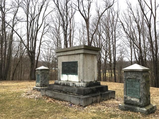 08-DAR monuments copy