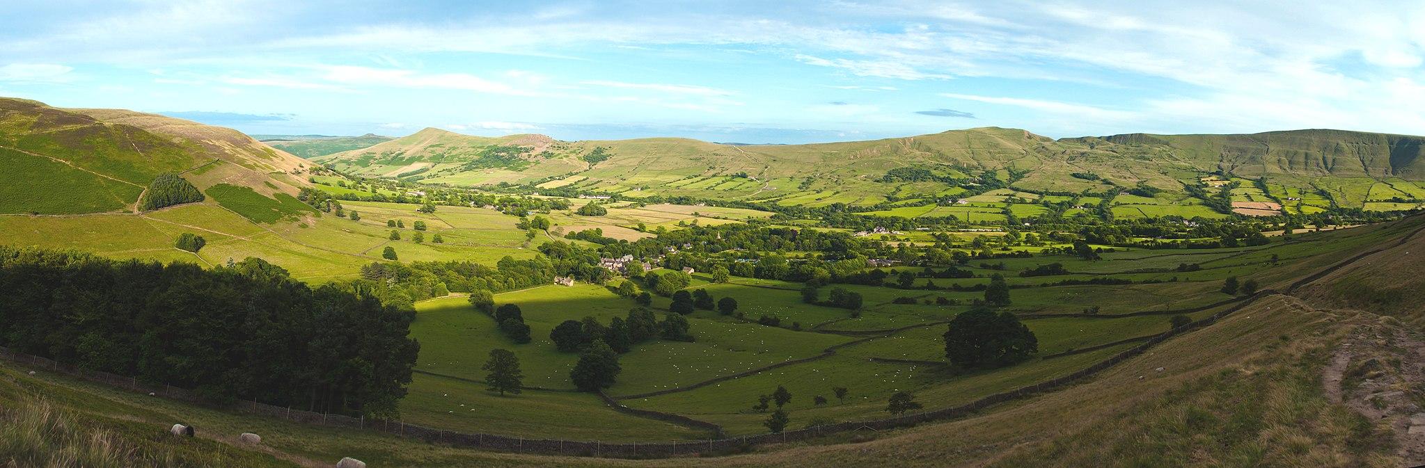 Vale of Edale (Photo by Atomviz, Wikimedia Commons)