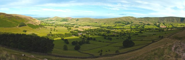Vale of Edale (Photo by Atomviz, Wikimedia Commons)